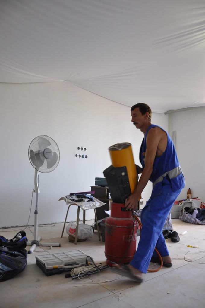 Безопасность при монтаже натяжного потолка