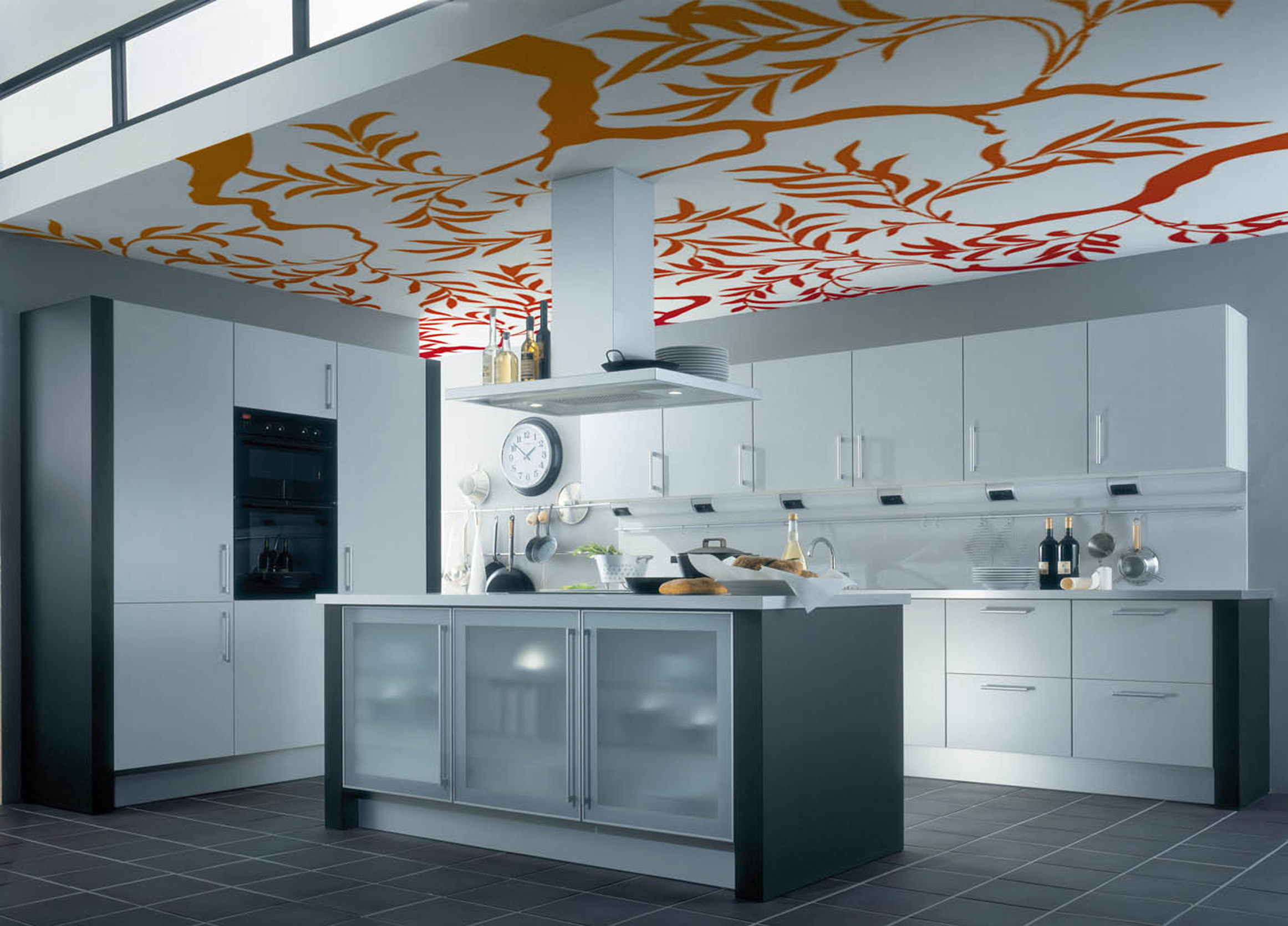 Тканевый натяжной потолок с арт-печатью в интерьере современной кухни