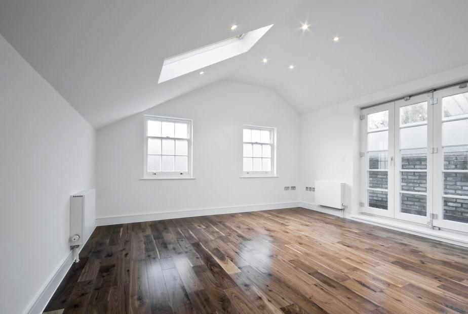 Тканевый потолок для мансардного этажа в частном доме-идеальный вариант Стиль и классика в интерьере