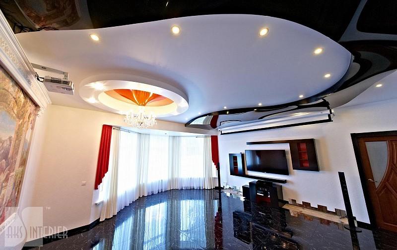 Двухуровневый потолок со светильниками по периметру