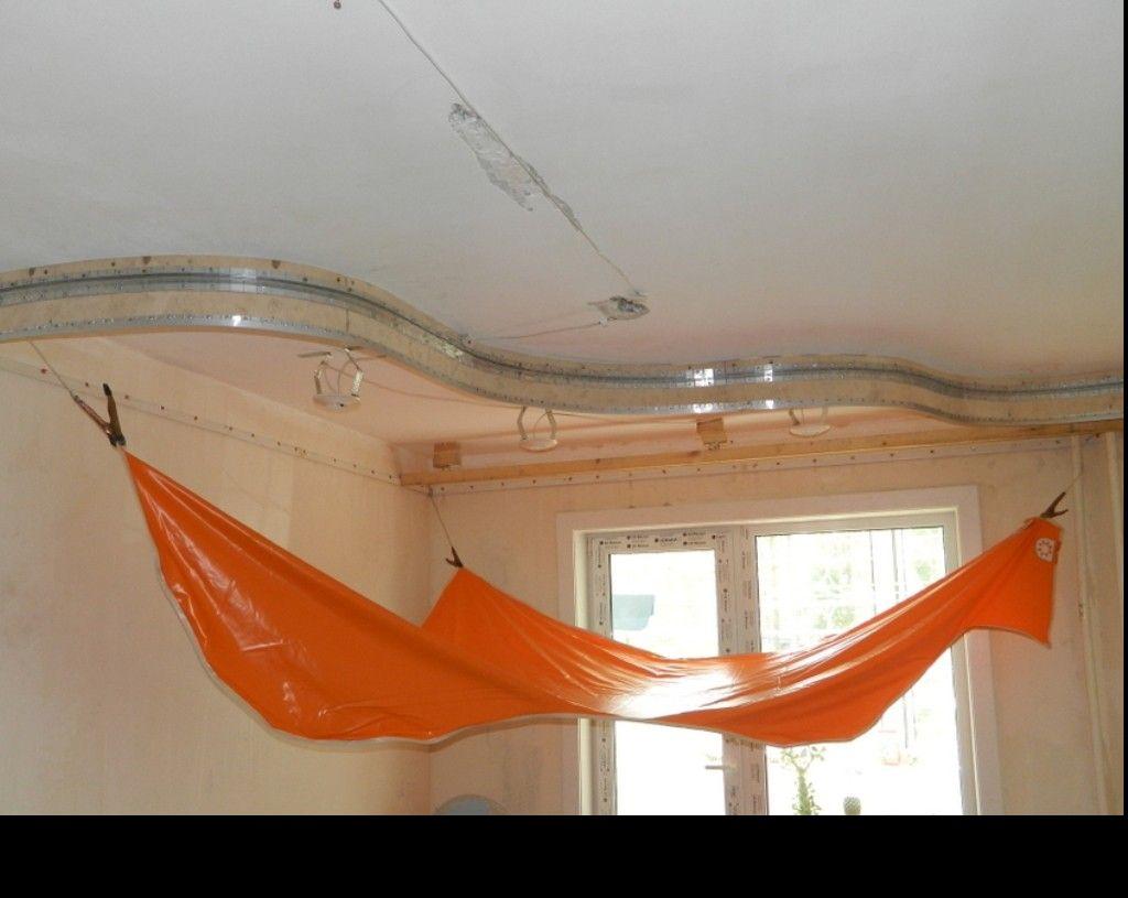 Натяжка полотен в двухуровневой конструкции натяжного потолка
