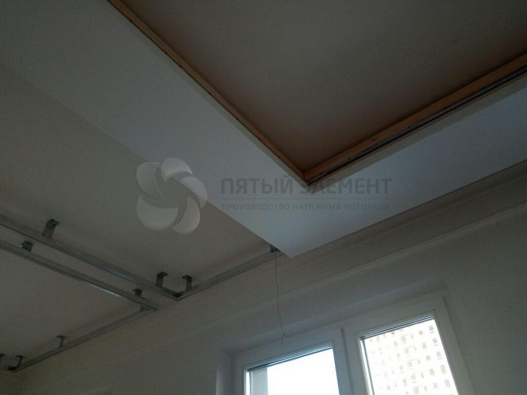 натяжной потолок с подсветкой 06